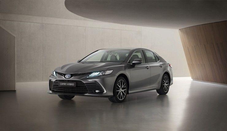 Toyota Camry 2,5 Hybrid Dynamic Force 218 KM Comfort full